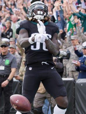 Philadelphia Eagles running back Jay Ajayi  reacts