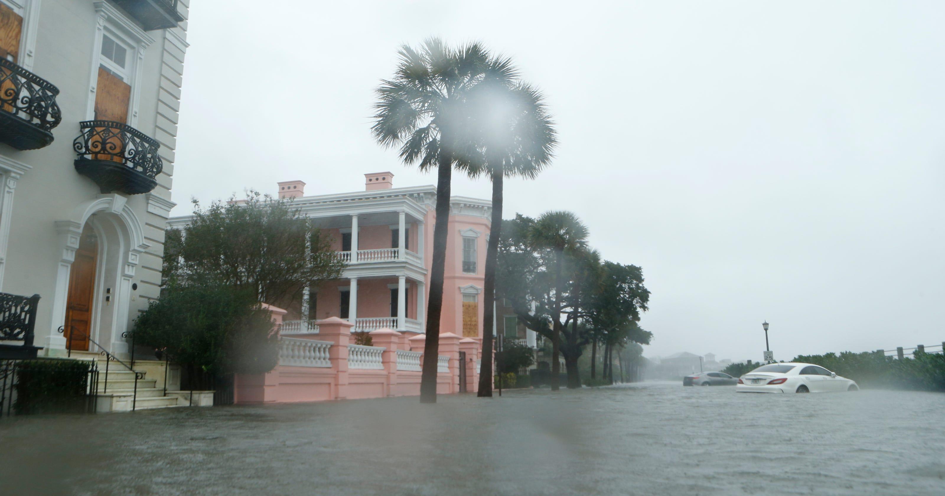 Hurricane Matthew Lashes Charleston As Weakened Cat 1 Storm