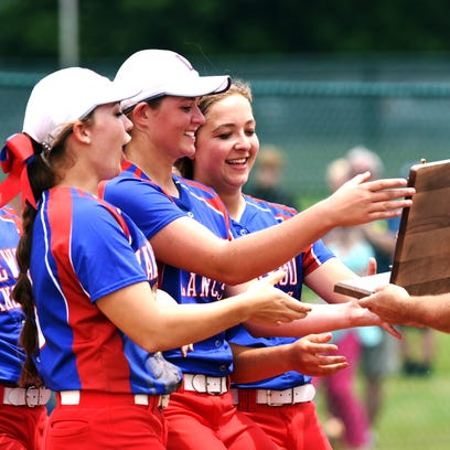 Lakewood players accept the Division II regional championship