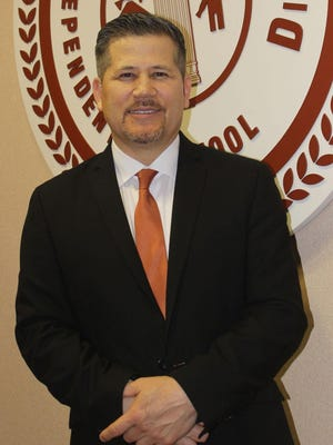 The Alice Independent School District (AISD) Superintendent Dr. Carl Scarborough presented to the Alice Rotary leaders on Wednesday, August 12.