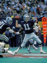 Sept 20, 1987: Dallas Cowboys quarterback (11) Danny