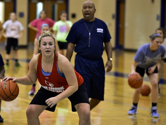 Chambersburg girls hoops coach Barry Purvis (background)