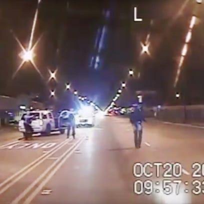 Video de vigilancia muestra a un oficial de Chicago