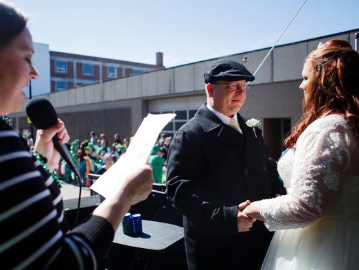 Mike Gordon, 41, and his now wife J Lynne Gordon, 40,