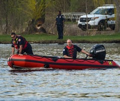 Authorities search for possible Mississippi River drowning