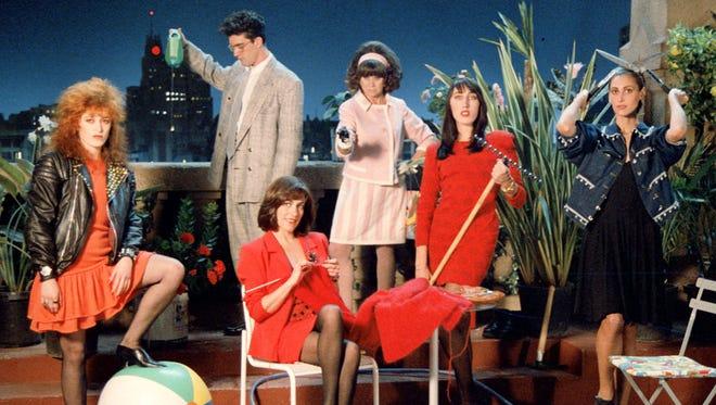 """Antonio Banderas, María Barranco, Ana Leza, Carmen Maura, Rossy de Palma, and Julieta Serrano in """"Mujeres al borde de un ataque de nervios"""" (""""Women on the Verge of a Nervous Breakdown""""), (1988)"""