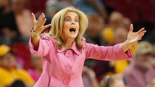 Arizona State head coach Charli Turner Thorne instructs her team against the Oregon during the first half at Wells Fargo Arena in Tempe, Ariz. February 5, 2017.