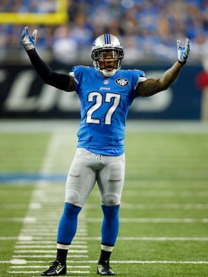 Detroit Lions free safety Glover Quin calls for crowd support Nov. 27, 2014, in Detroit.