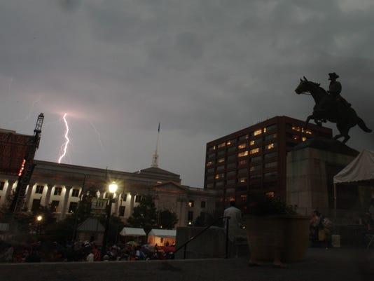 062212-clifford lightning-wb.1.jpg