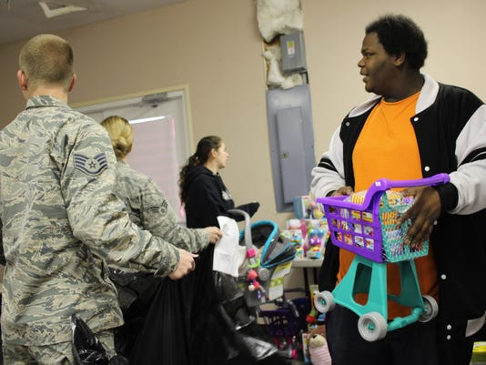 05_Toys-for-Tots_IMG-1971-c.jpg