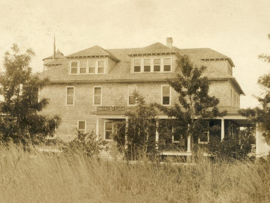The Hotel St. Lucie (St. Lucie Hotel) in 1917.