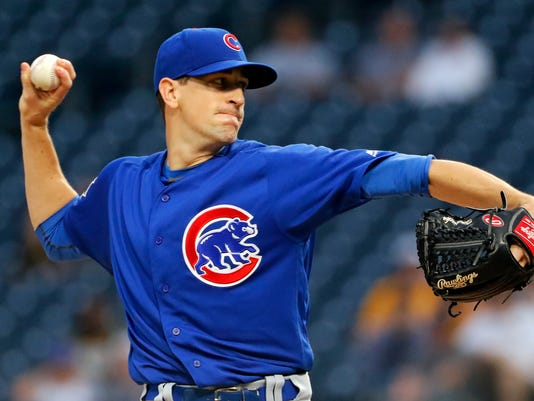 Chicago Cubs starting pitcher Kyle Hendricks delivers during the first inning of a baseball game against the Pittsburgh Pirates in Pittsburgh, Tuesday, Sept. 5, 2017. (AP Photo/Gene J. Puskar)