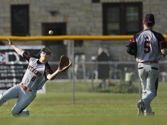5-19-16_MAN_S_Baseball_0002