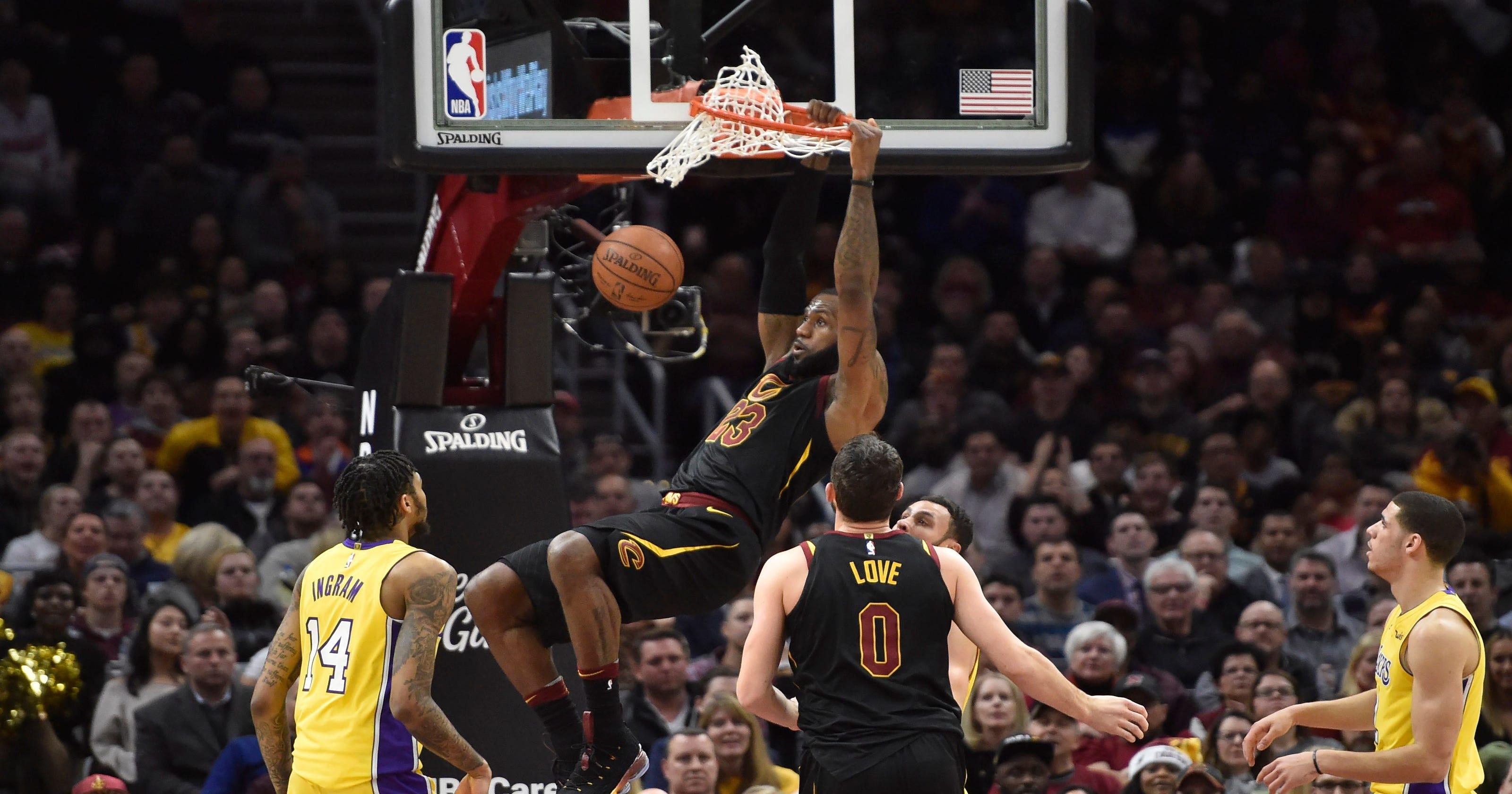 b6d6201bd48c LeBron James notches triple-double as Cavaliers top Lakers