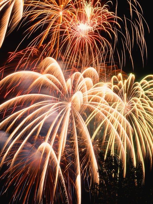 -FRG6-28 Fireworks.jpg_20130626.jpg
