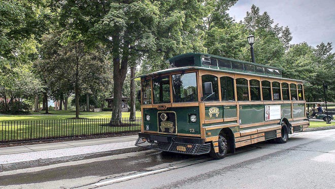 The Chemung County Chamber of Commerce will resume its trolley tours of Mark Twain Country starting July 5.