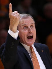 Tennessee Volunteers head coach Rick Barnes reacts