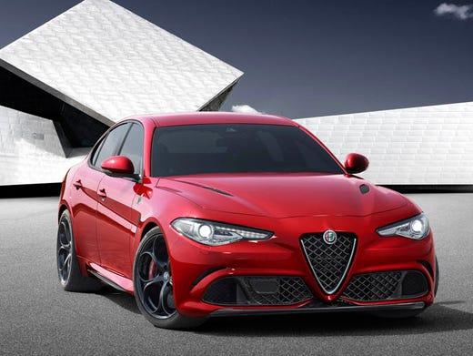 New Alfa Romeo >> Fiat Chrysler Unveils New Alfa Romeo Sedan For U S
