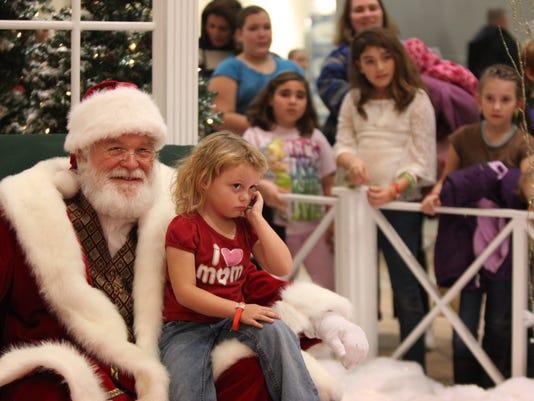 -MNI 1117 Santa3.jpg_20121116.jpg