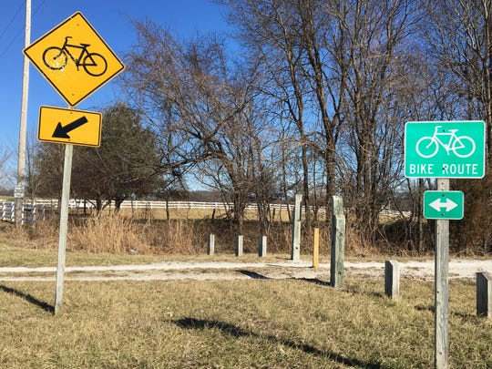 Answer Man: Who has the right of way? Bicyclist or