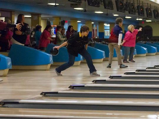 bowling0208_02.jpg