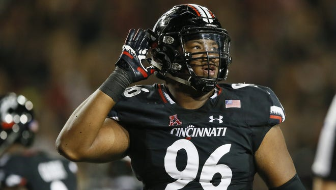 Cincinnati Bearcats defensive tackle Cortez Broughton will anchor the line again in 2017.