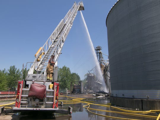 Fowlerville Fire, aided by Howell's fire department,