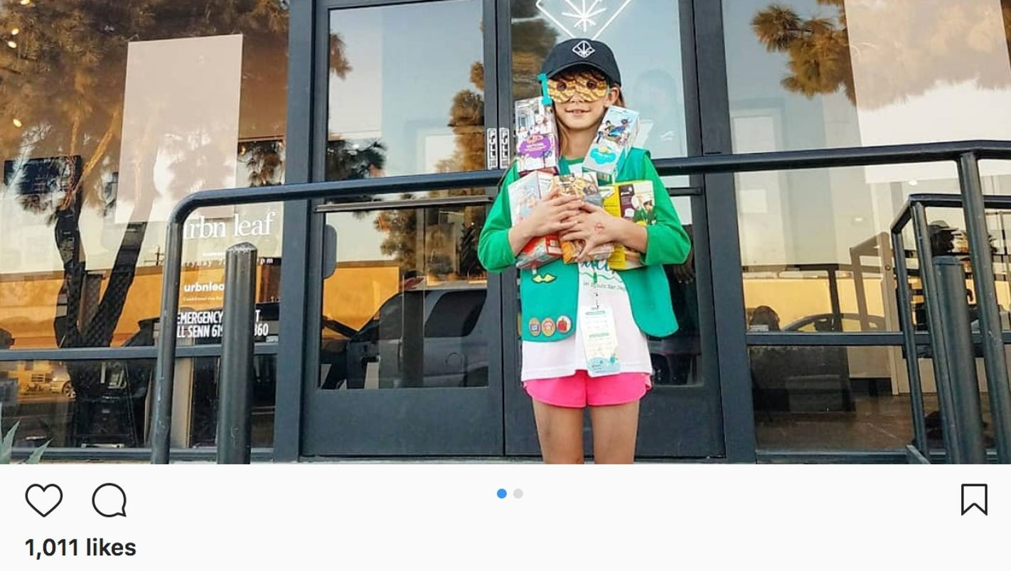 girl scout reportedly sells 300 boxes of cookies outside