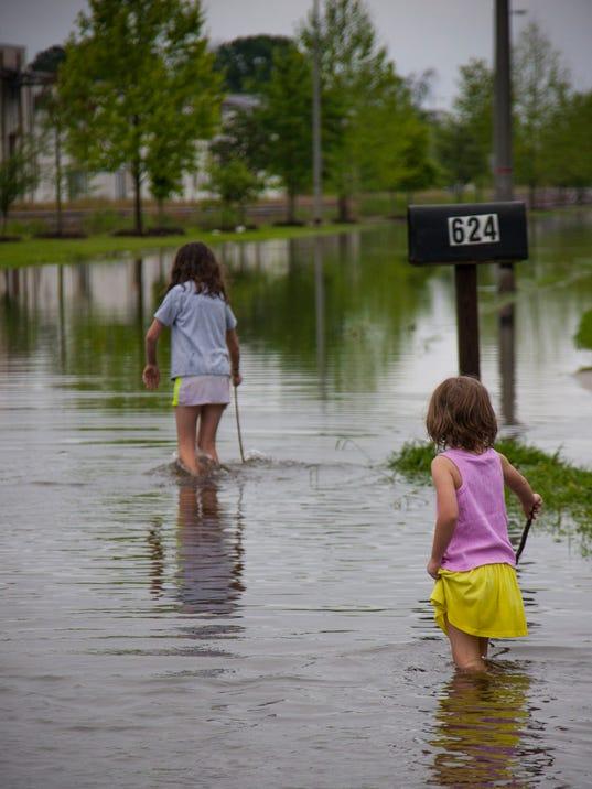 Heavy Rains Sunday Morning Flood Parts of Lafayette, LA, April 2, 2017