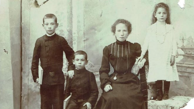 Isidore Smith (second from left) with his mother, sister and one of his brothers in Bialystok, then part of the Russian Empire, about 1904.