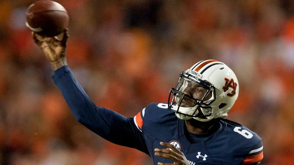 Auburn quarterback Jeremy Johnson (6) throws against