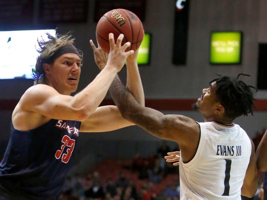 NCAA Basketball: Samford at Cincinnati