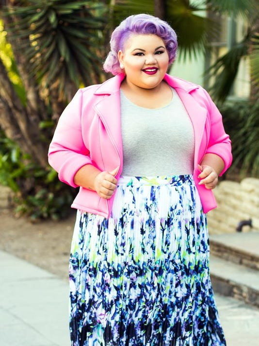 635963632040347617-635956435991825397-Ashley-Nell-Tipton-for-JCPenney-wearing-items-from-The-Boutique.jpg
