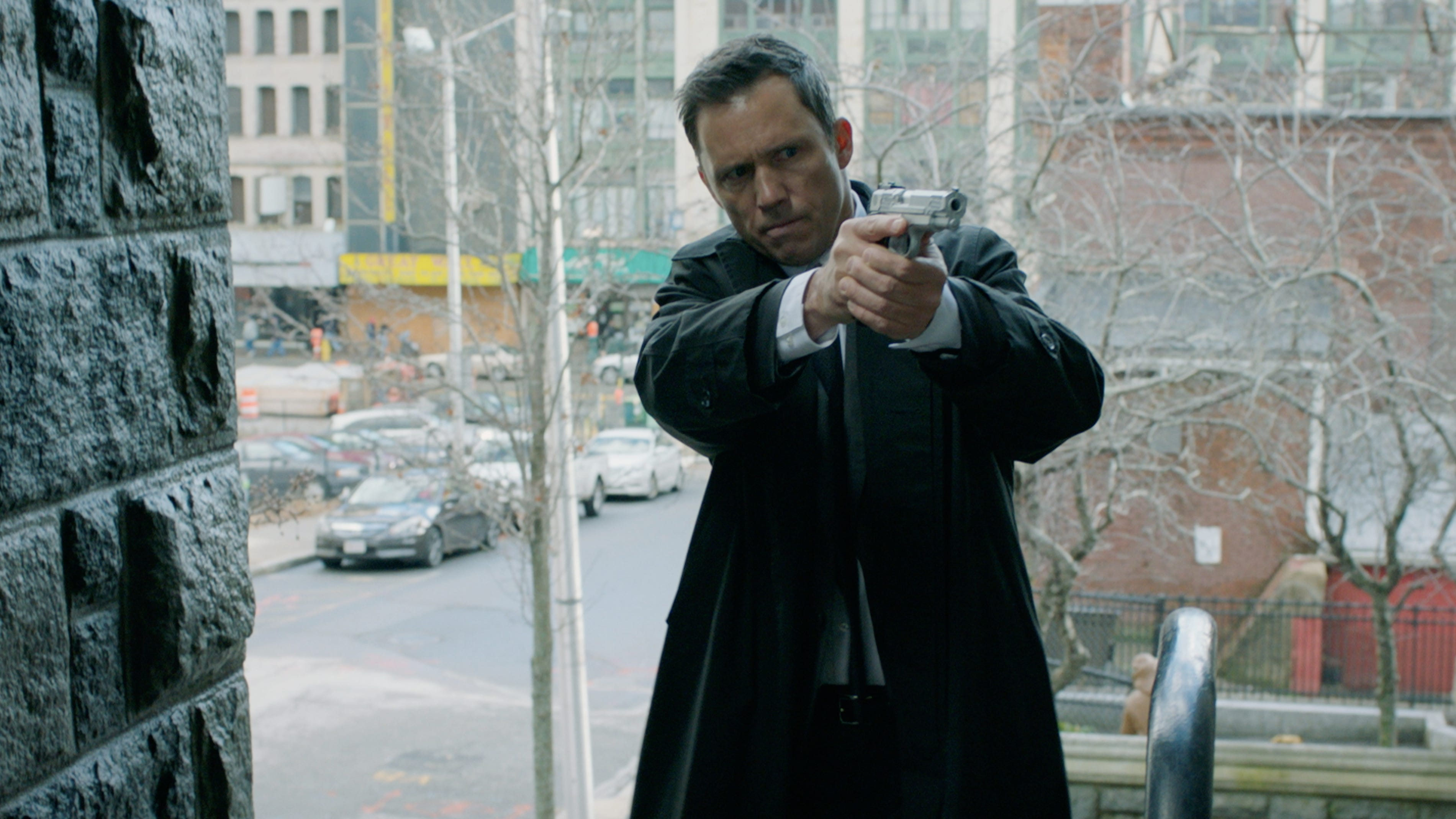 Character Actor Jeffrey Donovan Likes The Idea That Honest Thief Has More Heart Than Action
