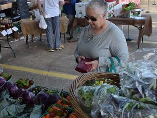 635907991858789914-farmers-market.jpg
