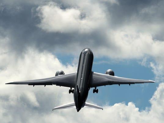 dreamliner-takeoff