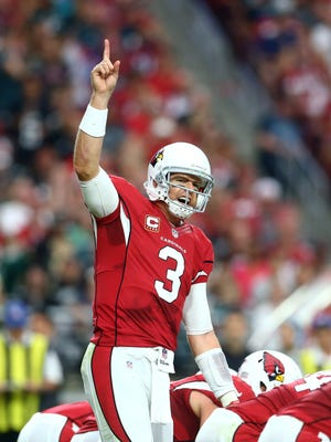 Arizona Cardinals quarterback Carson Palmer calls a play against the Philadelphia Eagles.