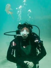 File: Diving