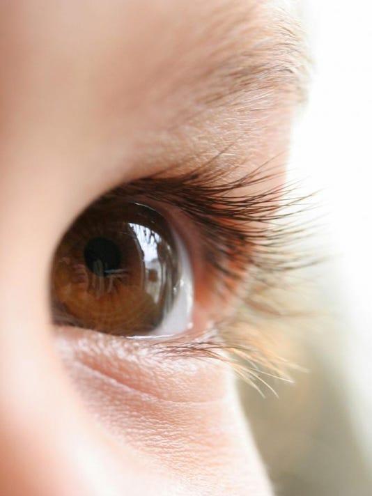 macro-eyes-brown-155537-h