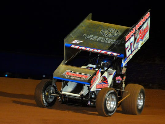 PHOTOS:World of Outlaws racing at Lincoln Speedway