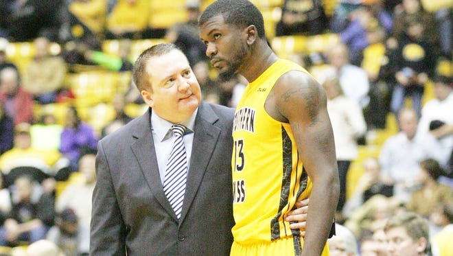 Southern Miss head coach Donnie Tyndall will become the new Vols coach, ESPN reports.