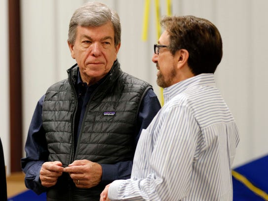 Sen. Roy Blunt chats with CEO Bart Brown of Ozarks