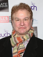 Actor Robert Wuhl has a one-man show based around history