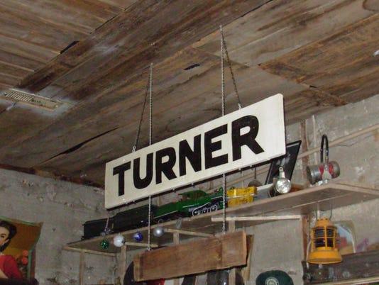 636174020693679880-Turner-station-sign-1212-3-Dec-2016.jpg