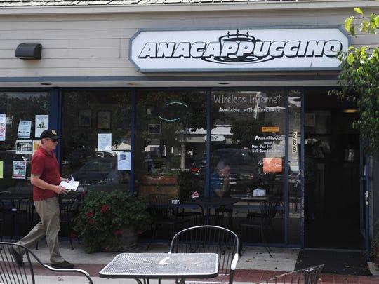 The exterior of Anacappuccino.