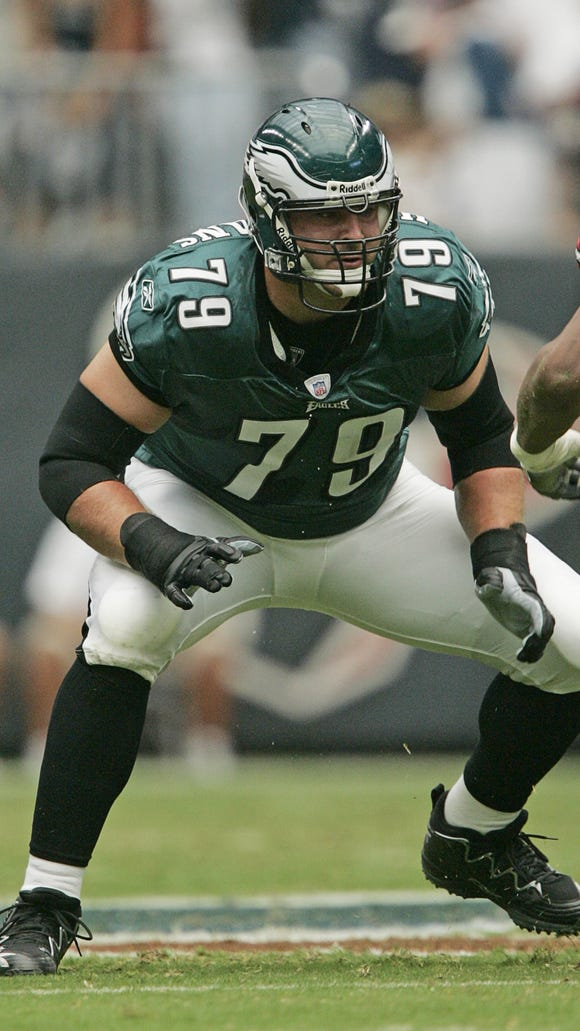 Eagles guard Todd Herremans will try to play through a torn biceps muscle against the Texans on Sunday.