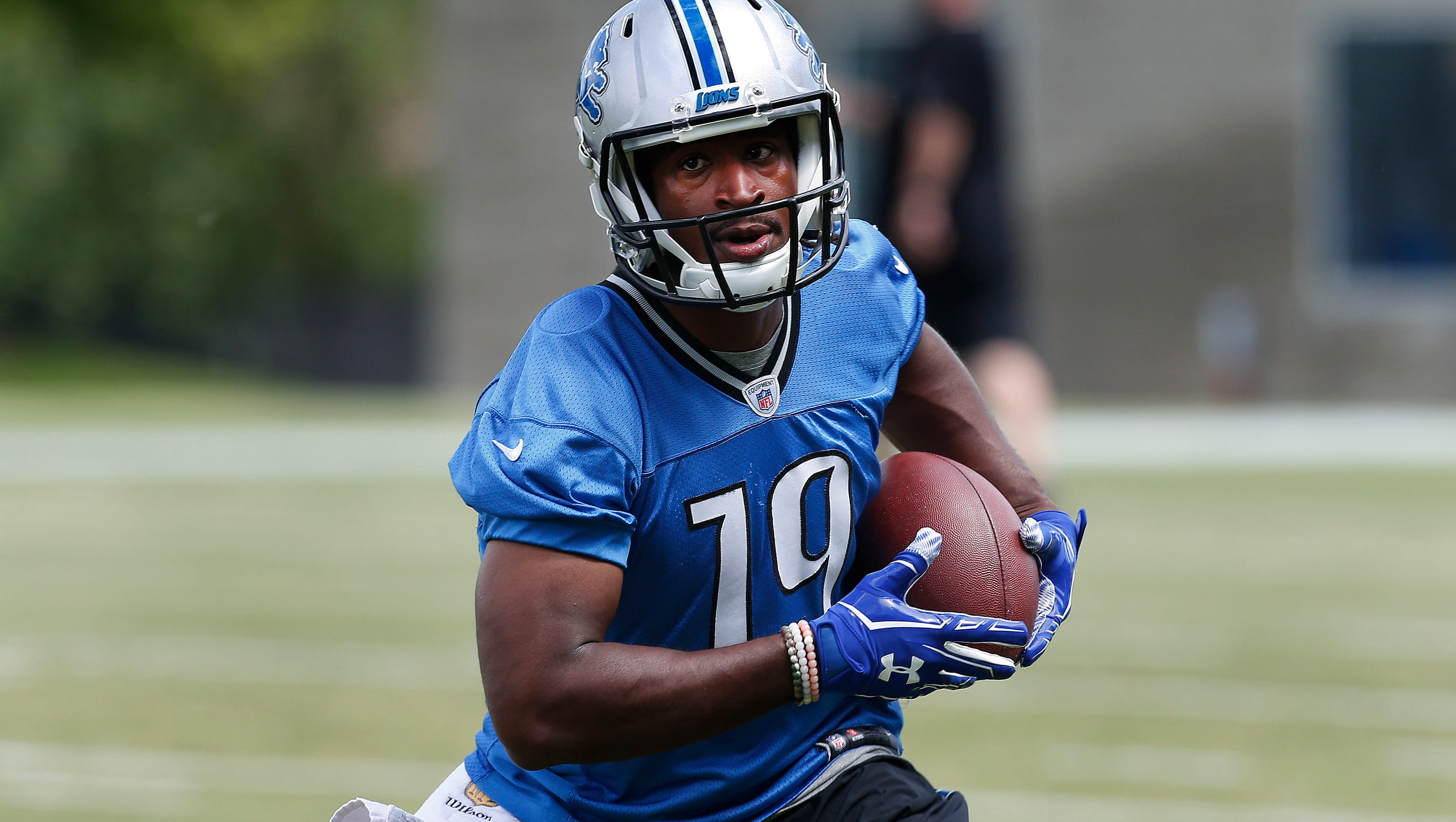 Door is open for detroit lions wr andre roberts to earn spot for Andre robert