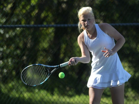 Leon's Jules Grady plays at the 2018 tennis city tournament