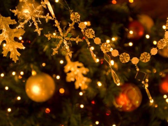 636138651185024660-ChristmasTree.jpg