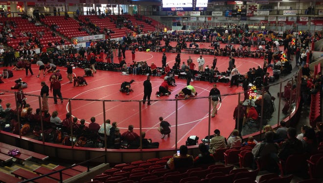 Lisbon, Don Bosco, Valley and New Hampton advanced to the finals of the 32-team Battle of Waterloo